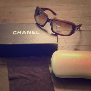 Mother of Pearl CC Chanel sunglasses